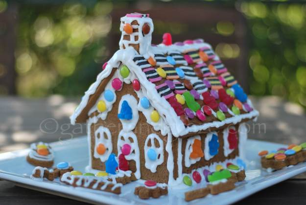 Gingerbread House | gatherandgraze.com