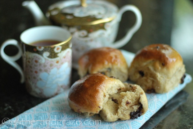 Chocolate-Chip Spice Buns | Gather and Graze